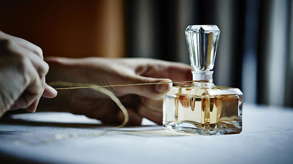 استفاده و نگهداری عطر